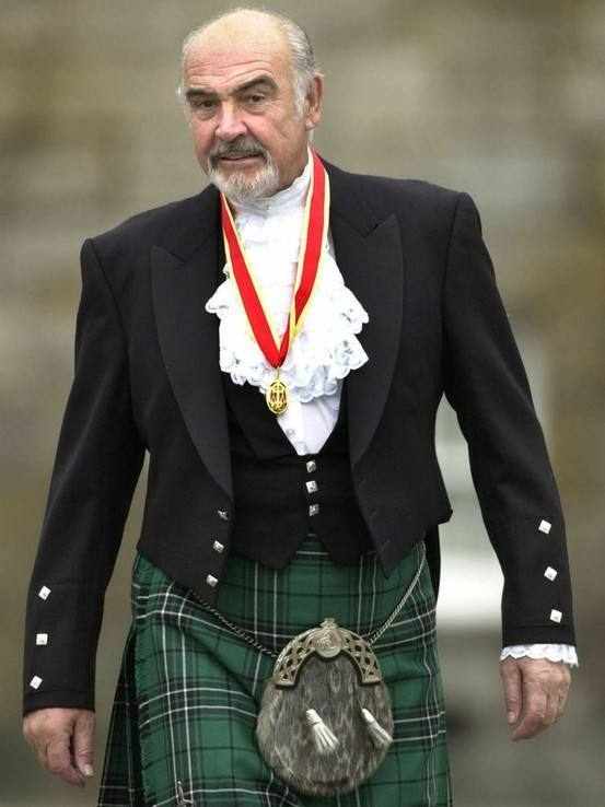 Sean Connery dressed like this could easily wear Soir de Lune.