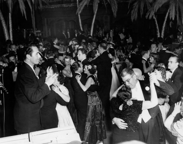 40s photo of the dance floor at the Cocoanut Grove.
